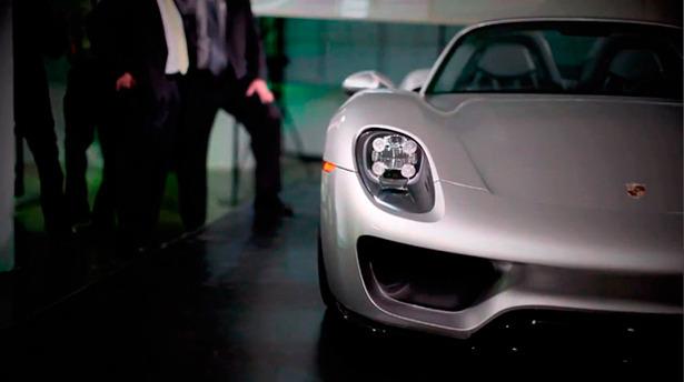Porsche представили новый гибридный суперкар 918 Spyder . Изображение № 2.