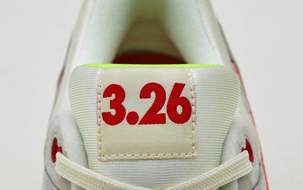 Nike выпустили новую модель сникеров в честь 27-летия кроссовок Air Max. Изображение № 6.