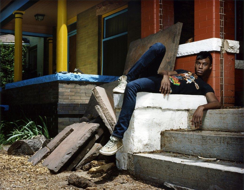 Нежный возраст: Подростки-гомосексуалы в фотопроекте Майкла Шарки. Изображение № 14.
