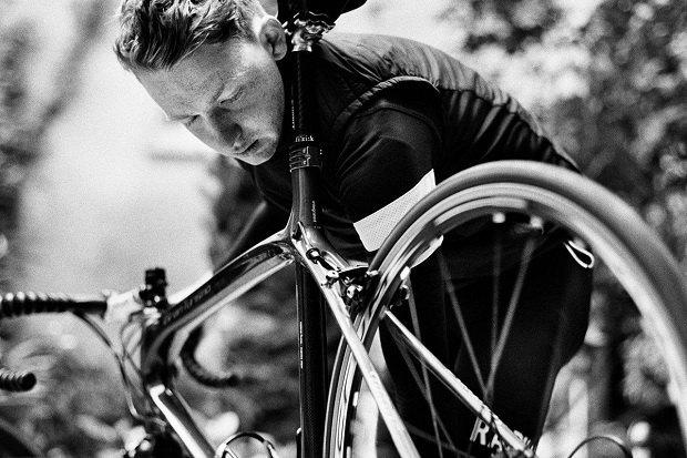 Марка велоодежды Rapha опубликовала лукбук новой коллекции. Изображение № 3.