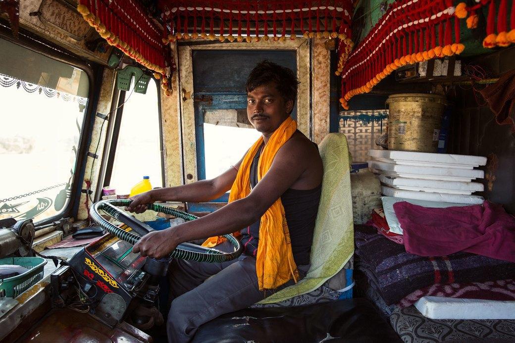 Я и друг мой грузовик: Индийские дальнобойщики и их автомобили. Изображение № 33.