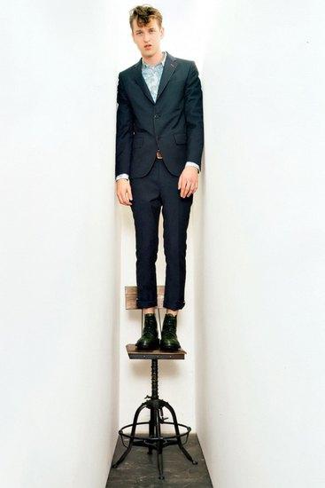 Марка Junya Watanabe Comme des Garcons Man опубликовала лукбук своей весенней коллекции. Изображение № 4.