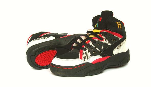 Поставить на ноги: 25 именных баскетбольных кроссовок. Изображение № 5.