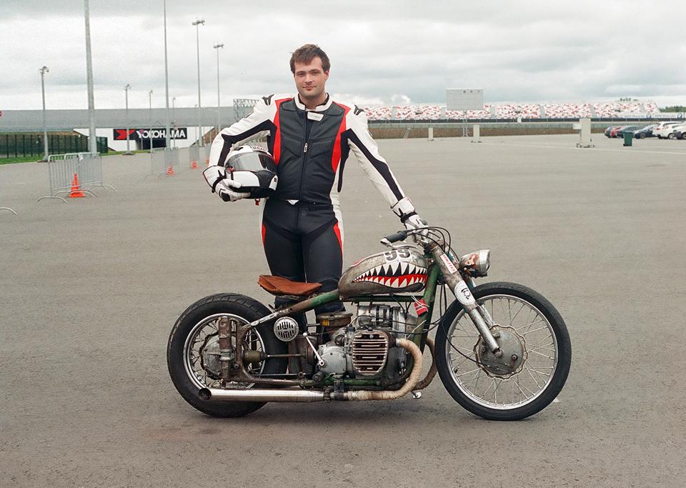 Фоторепортаж с гонки кастомных мотоциклов Nuts & Bolts. Изображение № 6.