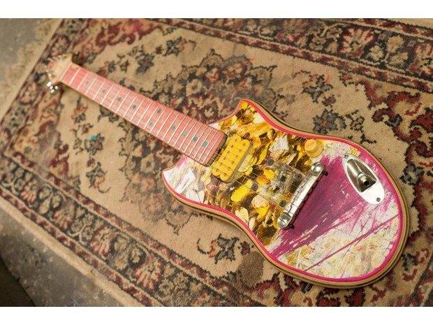 Аргентинская мастерская создает электрогитары из старых скейтбордов. Изображение № 8.