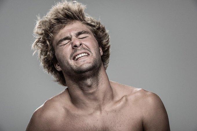 Фотограф снимал лица людей после удара шокером. Изображение № 11.