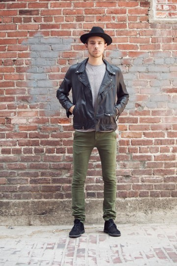 Марка Obey выпустила лукбук весенней коллекции одежды. Изображение № 13.