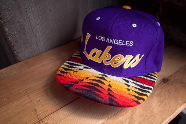Genesis Project совместно с Pendleton выпустили коллекцию кепок с символикой команд НБА. Изображение № 11.
