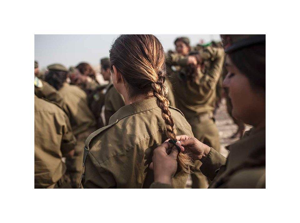 Фотопроект: Как служат женщины в армии Израиля. Изображение № 37.