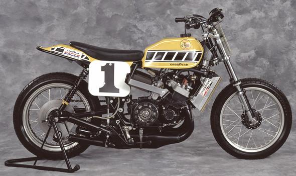 История и особенности мотоциклов для гонок по грязевому овалу —флэт-трекеров. Изображение № 20.