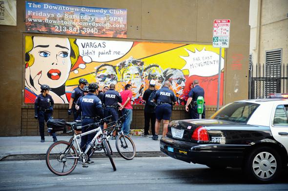 Изображение 8. Скейтбордисты Лос-Анджелеса устроили «Безумие на улицах города».. Изображение № 7.