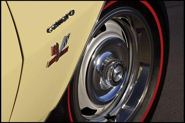 Редкий маслкар Chevrolet Yenko Super Camaro уйдет с молотка. Изображение № 12.