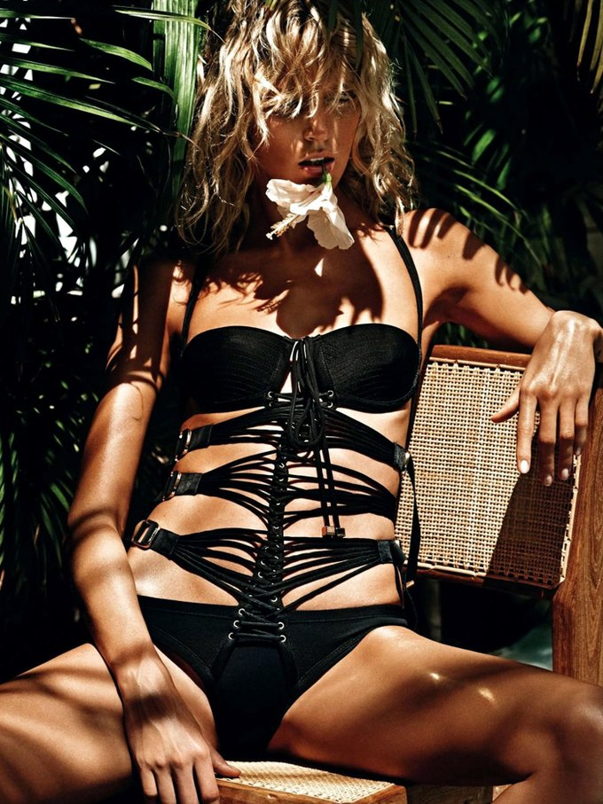 Модели Аня Рубик и Андреа Дьякони снялись обнаженными у фотографа Марио Сорренти. Изображение № 6.