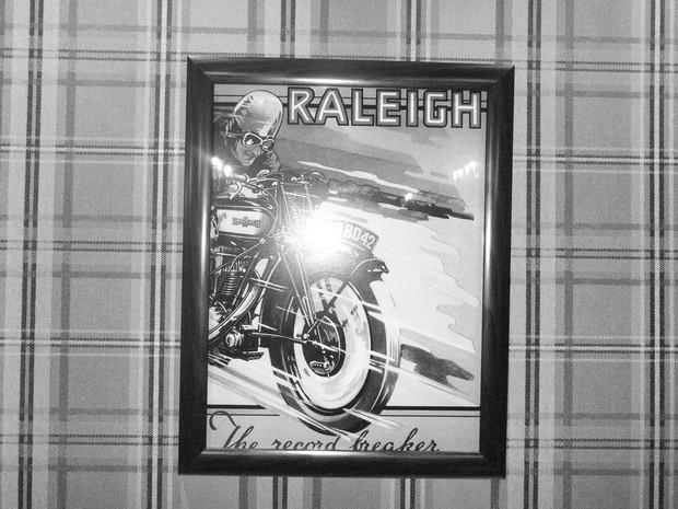 В Москве официально открылся салон мотоциклов Royal Enfield. Изображение № 8.
