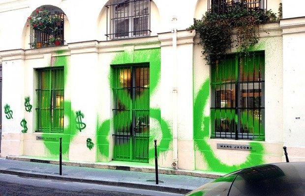 Марка Marc Jacobs ответила художнику Kidult кепками с его работой. Изображение № 3.