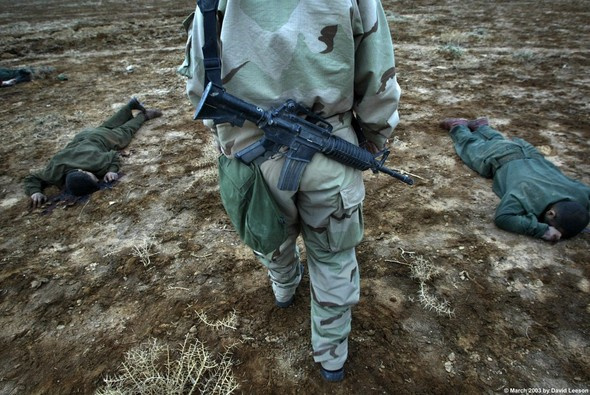 Военное положение: Одежда и аксессуары солдат в Ираке. Изображение № 27.
