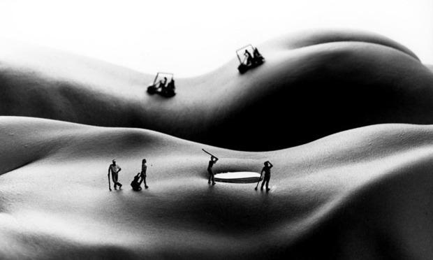 Фотограф Аллан Тегер выпустил серию работ, использовав в качестве пейзажа обнаженные тела. Изображение № 2.