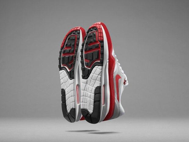 Nike представили реинкарнацию легендарной модели Air Max Lunar 1. Изображение № 4.