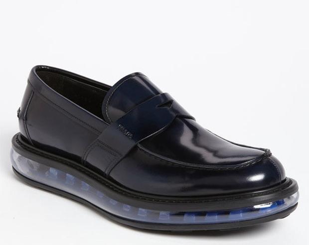 Как классическую обувь поставили на спортивную подошву и стоило ли это делать. Изображение № 6.