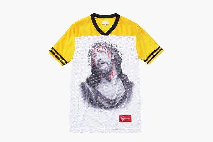 Марка Supreme выпустила футболки с изображением Иисуса. Изображение № 3.