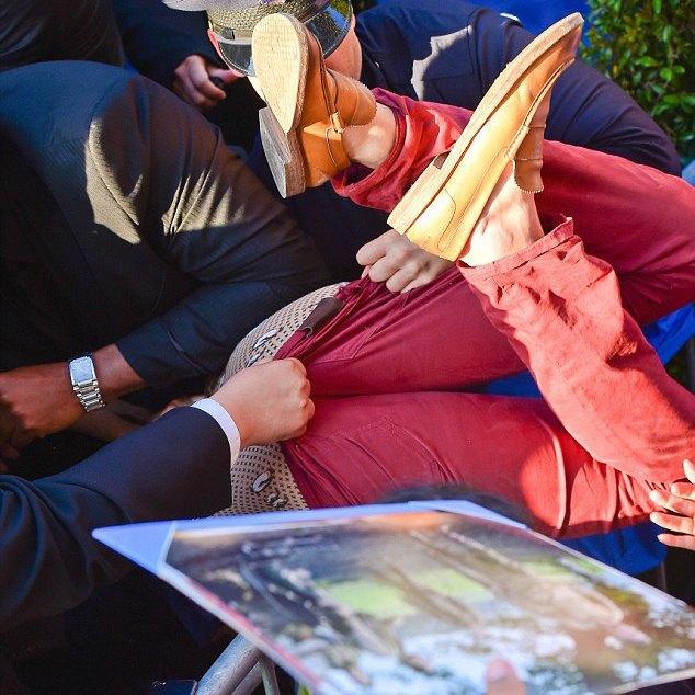 Брэда Питта на премьере «Малефисенты» побил украинский журналист. Изображение № 2.
