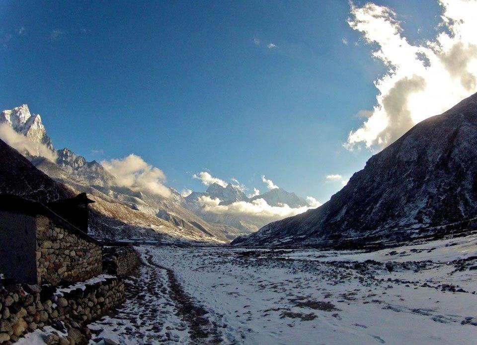 «Нет ничего лучше гор, мотоцикла и бесконечной дороги под ним»: Путешествие по Азии на двух колёсах. Изображение № 22.