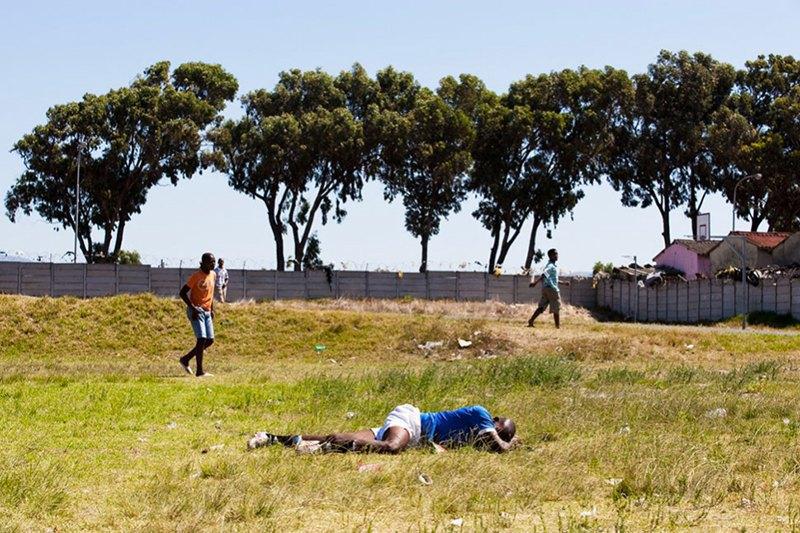 Как выглядит дворовый футбол на окраинах Кейптауна. Изображение № 17.