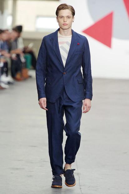 Марка Oliver Spencer выпустила летнюю коллекцию одежды. Изображение № 3.