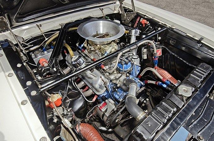 Маслкар Shelby GT350 автогонщика Стирлинга Мосса выставлен на аукцион. Изображение № 7.