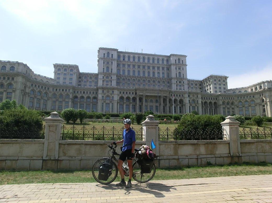 Домашний арест, ночь в пещере и автокатастрофа: Путешествие из Украины в Пакистан на велосипеде. Изображение № 5.