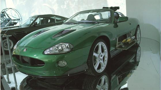 Репортаж с выставки машин Джеймса Бонда. Изображение № 12.