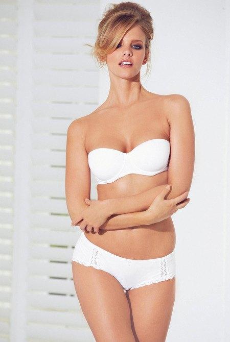Голландская модель Марло Хорст снялась в рекламе нижнего белья Next. Изображение № 7.