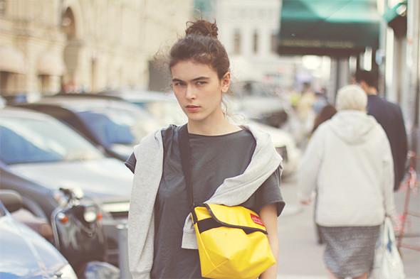 Репортаж с выставки Faces&Laces: Красивые девушки отвечают на вопросы. Изображение № 20.