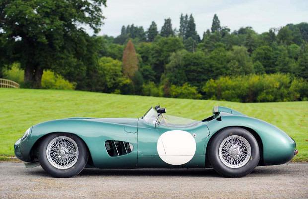 Победитель «Ле-Мана», спорткар Aston Martin DBR1 1957 года, выставлен на аукцион . Изображение № 3.