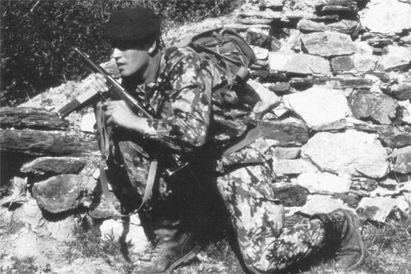 Испанская военная форма, конец восьмидесятых. Изображение № 6.