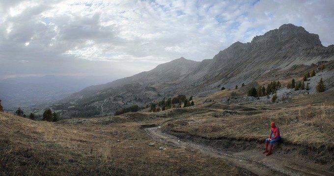 Одиночество — скука: Одинокие супергерои во французских Альпах. Изображение № 13.