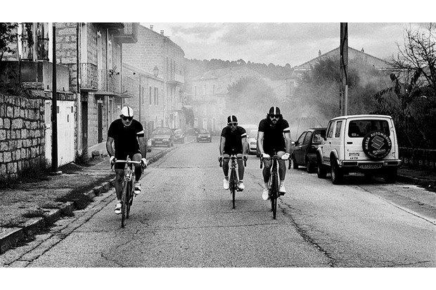 Велосипедная марка Rapha опубликовала весенний лукбук. Изображение № 13.