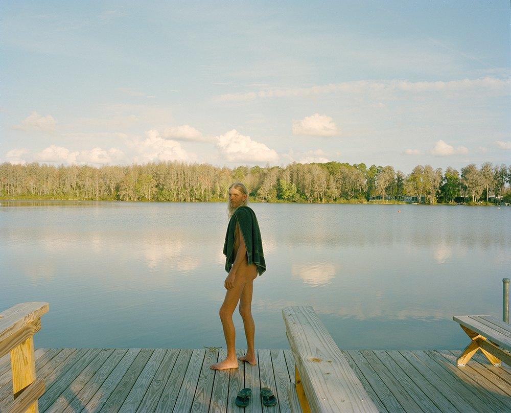 Фотопроект: Нудисты на пляже озера Комо . Изображение № 20.