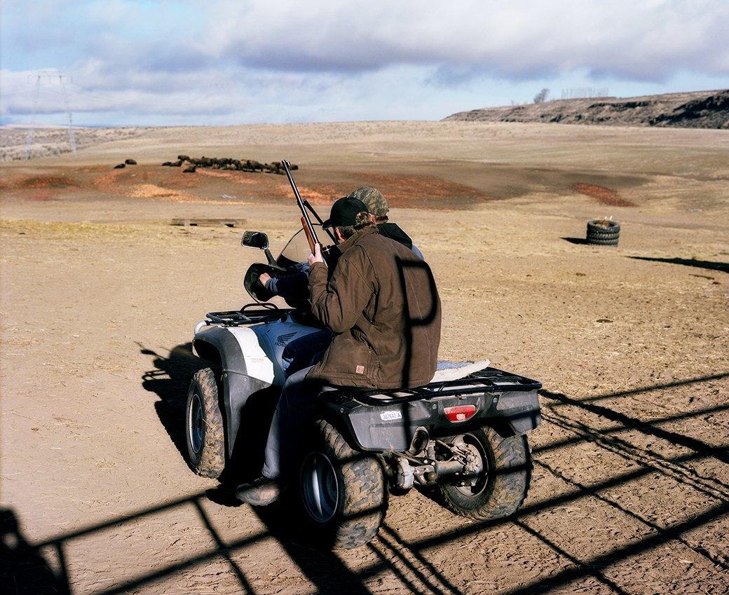 Бытовая жизнь работников бизоньего ранчо в США . Изображение № 3.