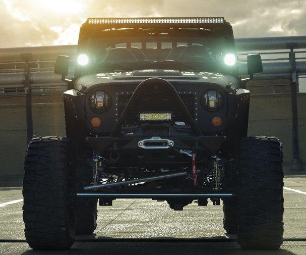 Автомастерская Starwood Motors представила новый кастом на базе Jeep Wrangler. Изображение № 3.