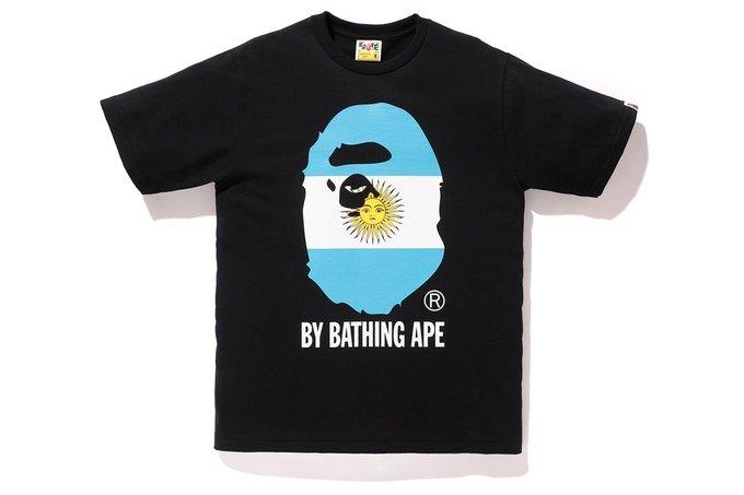 Марка A Bathing Ape представила коллекцию, посвящённую чемпионату мира по футболу в Бразилии. Изображение № 10.