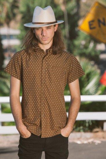 Марка Obey опубликовала лукбук весенней коллекции одежды. Изображение № 7.