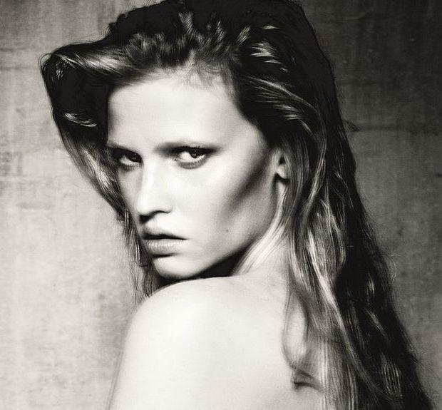 Модель Лара Стоун снялась у фотографа Паоло Роверси. Изображение № 1.