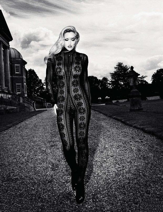 Модель Бар Рафаэли снялась у фотографа Саймона Эмметта. Изображение № 5.