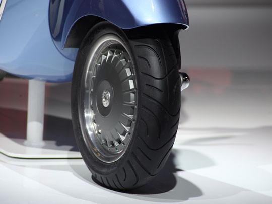 Новая модель мотороллера марки Vespa. Изображение № 3.