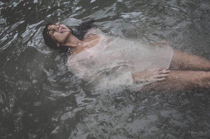 Шведская модель Ханна Стурше снялась для журнала Treats!. Изображение № 4.