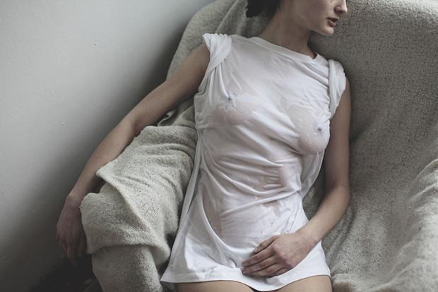 Ревизия: Тест промокаемости белых футболок. Изображение № 19.