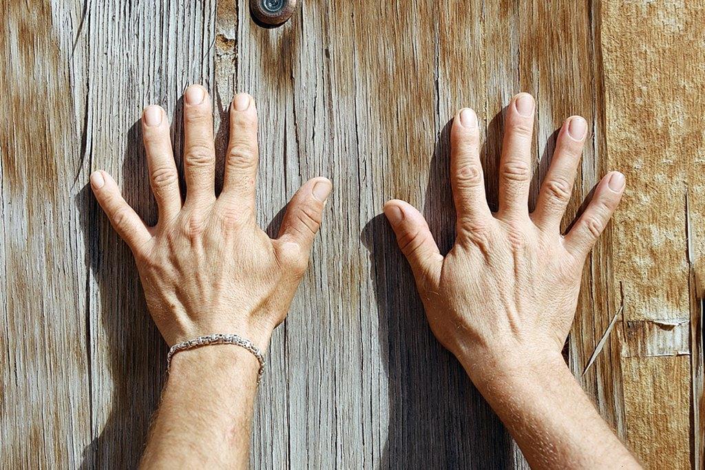 Нейл-арт недели: Руки московских рабочих. Изображение № 1.