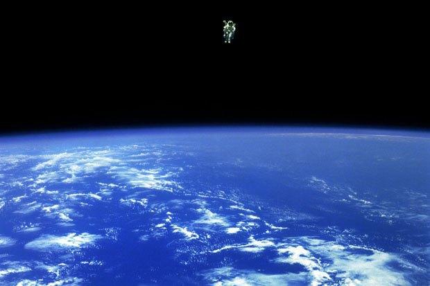 NASA опубликовало фотосессию, вдохновленную фильмом «Гравитация». Изображение № 9.