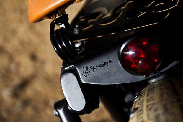 Итальянская мастерская Centro Modo Lodi представила «королевский» кастом модели Triumph Thruxton. Изображение № 4.
